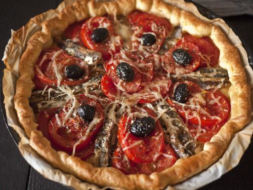 tarte aux tomates et filets de sardines