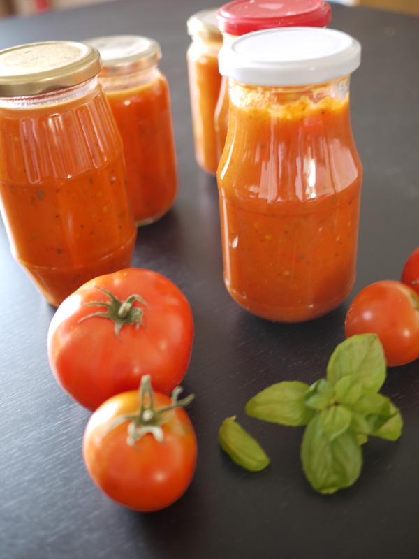 Sauce tomates au basilic mettre du soleil en pot blog de ch taigne - Comment conserver du basilic ...