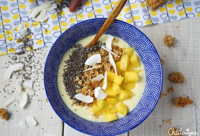 Smoothie bowl banane-mangue