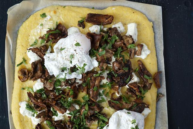 Tarte à la polenta et aux cèpes