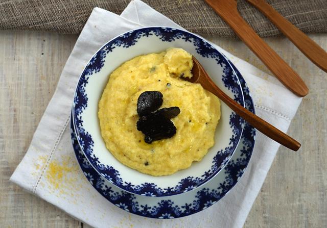 Polenta crémeuse à la truffe noire
