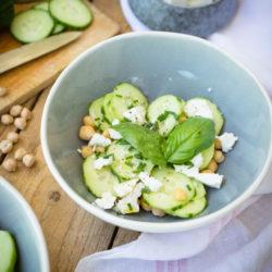 Salade de concombre et pois-chiches