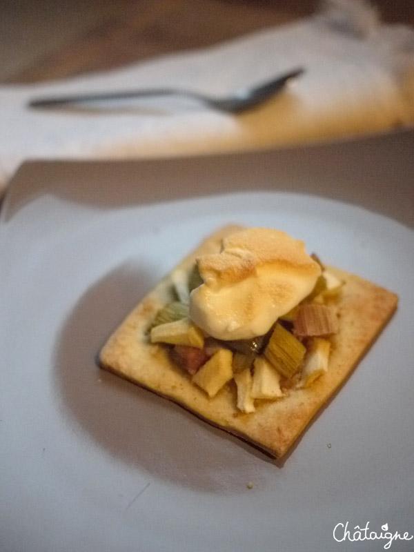 Tartelettes pommes-rhubarbe meringuées