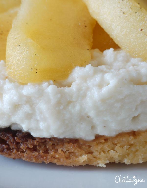 Sablé croustillant, blanc-manger aux pommes caramélisées