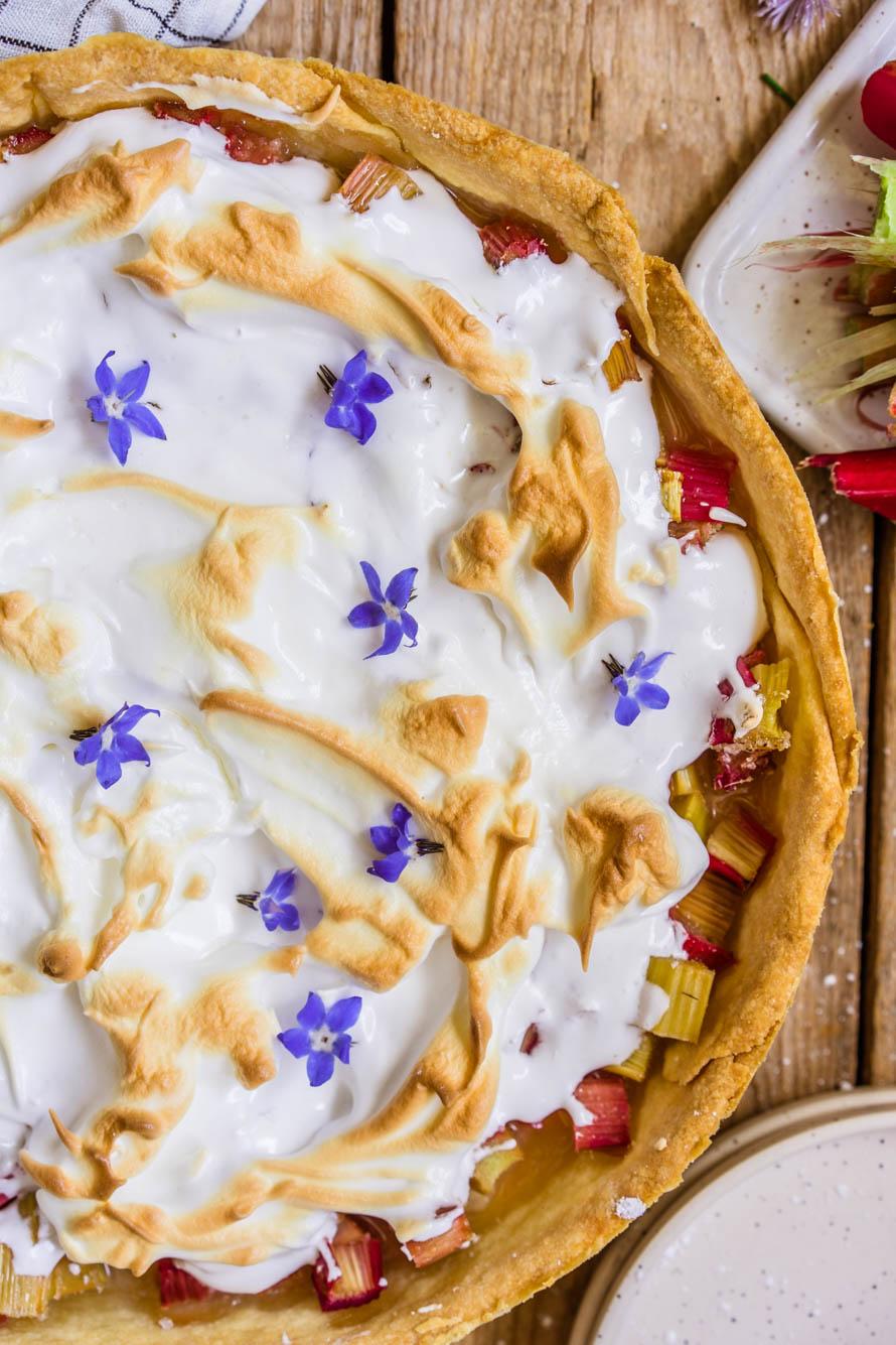 tarte à la rhubarbe meringuée