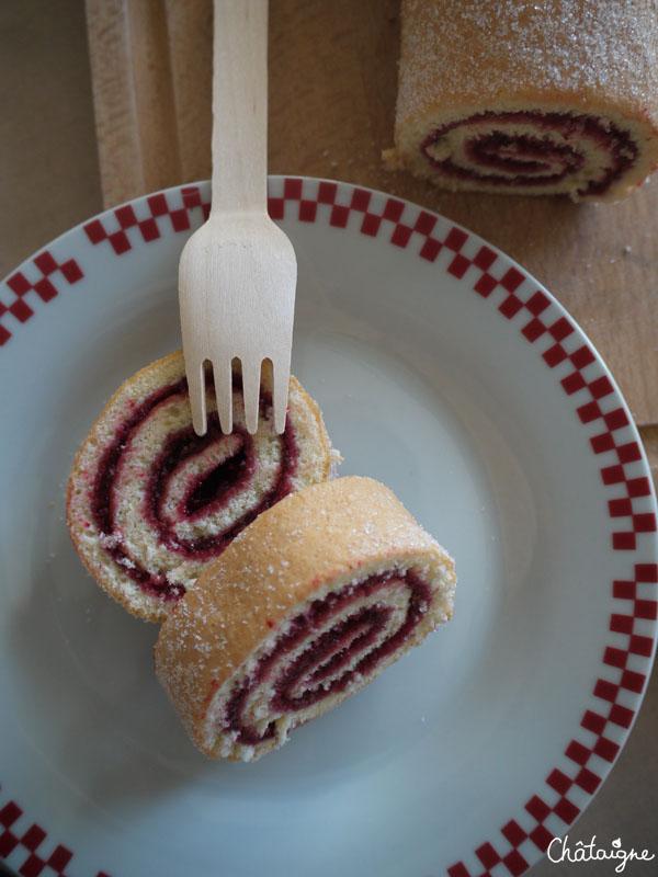 gâteau roulé aux framboises