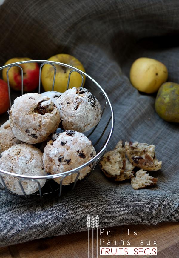 Petits pains aux fruits secs