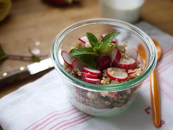 Salade printanière : salade quinoa-boulgour