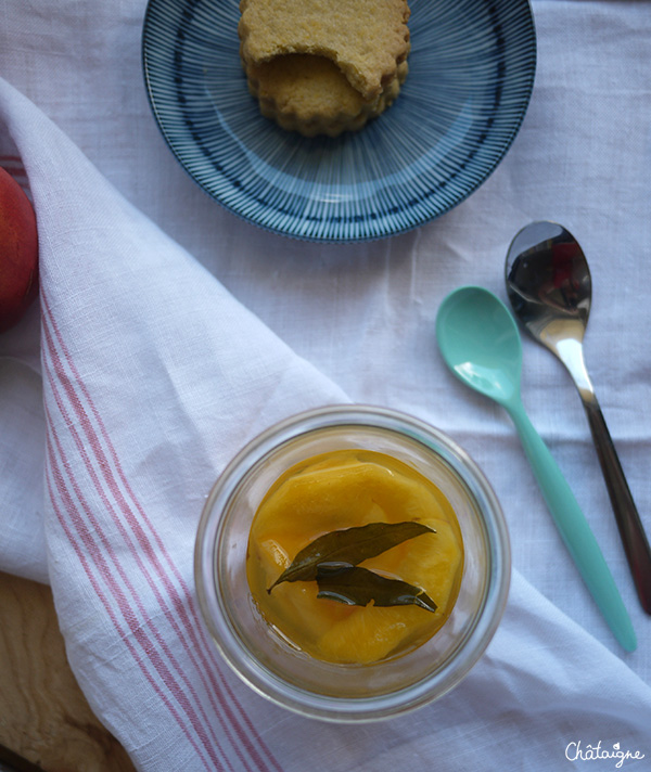 Nectarines au sirop de verveine