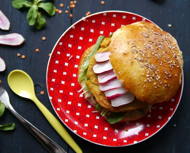 Burgers [steaks de lentilles corail & pesto rouge]