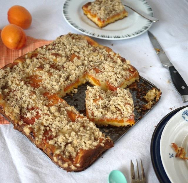 Crumbcake aux abricots et graines de sésame