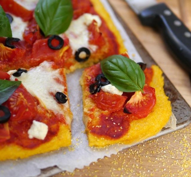 Pizza Margherita à la polenta