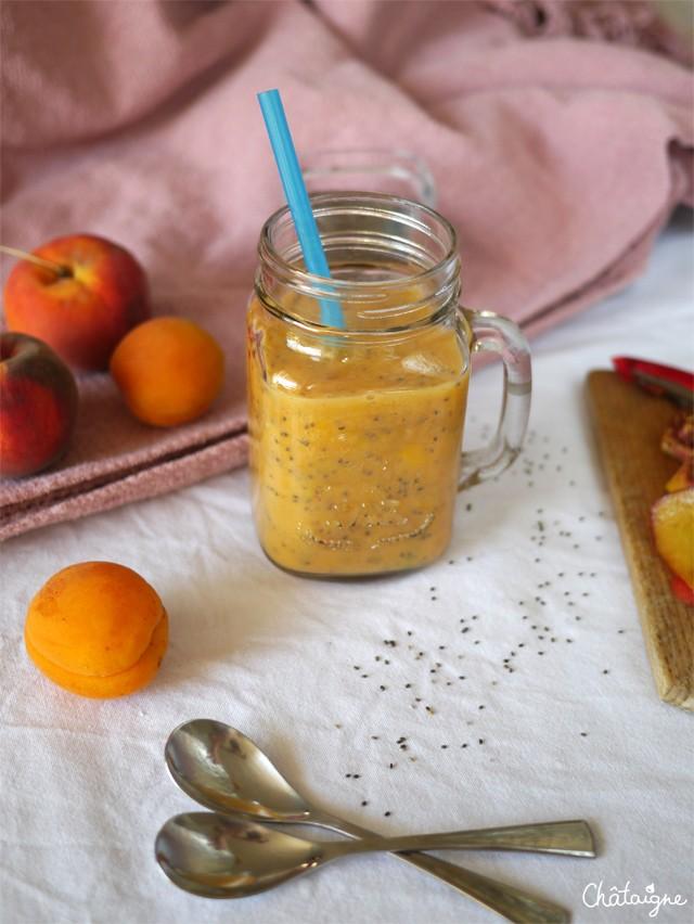 smoothie pêche-abricots et graines de chia