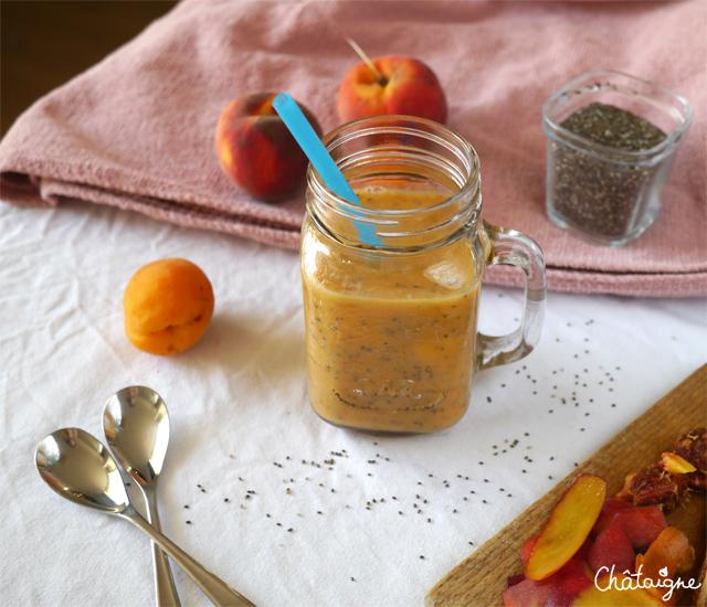 Smoothie pêches-abricots & graines de chia