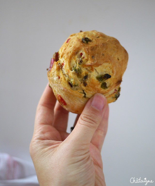 petits pains aux légumes et chorizo