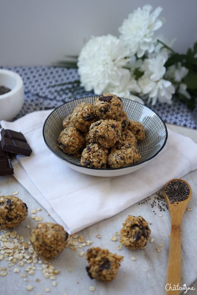 Boules d'énergie chocolat-cacahuètes