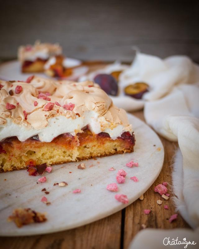 Gâteau aux prunes meringué