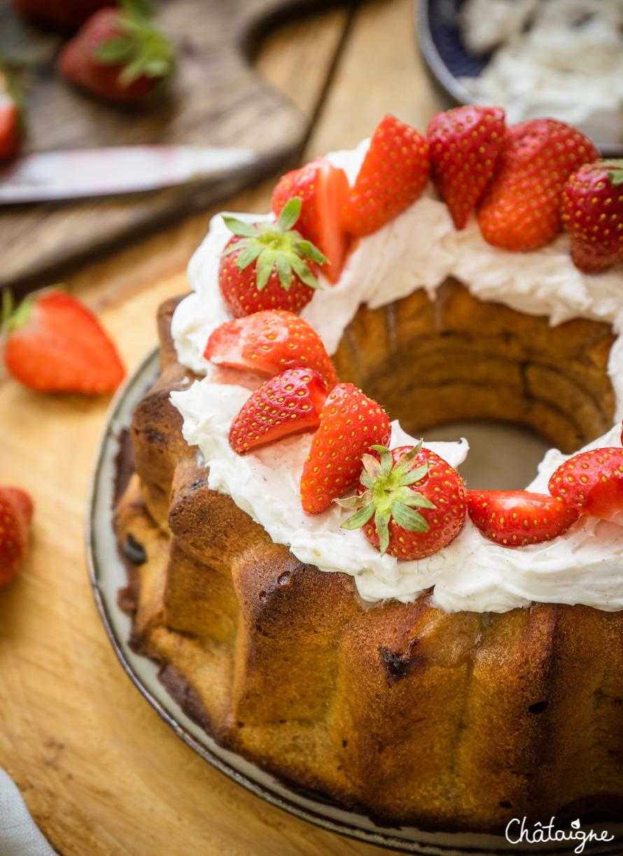 Bundt cake fraises-rhubarbe